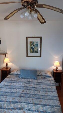 Gli appartamenti del Residence la Calle dispongono di aria condizionata autonoma e non centralizzata, pertanto regolabile dai nostri ospiti. Dispongono inoltre di ventilatore a soffitto per chi preferisce la temperatura ambiente.