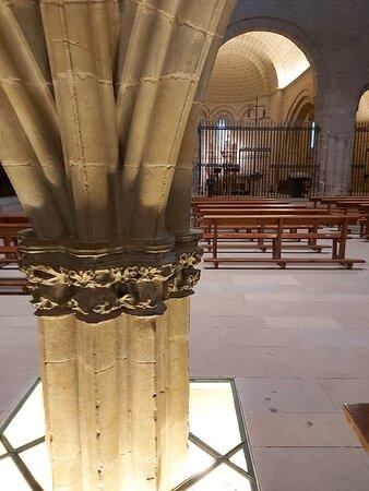 Interior Iglesia 02.