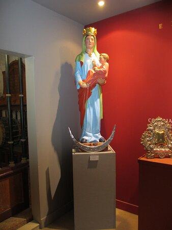 Virgen del Manzano.  Castrojeriz (Burgos)