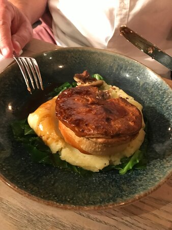 Steak and ale pie - very good.
