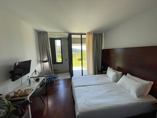 The standard double room. All rooms are very friendly for people who may have special needs.
