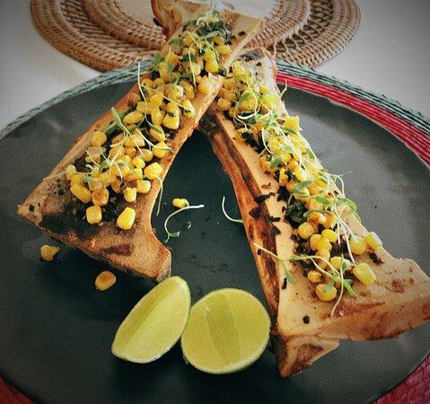 Tacos de Tuétano Acompañados de unos  esquites de elote dulce, con toque de epazote ligeramente picante, con tortillas del comal. * Especialidades del Mes de Septiembre 2021