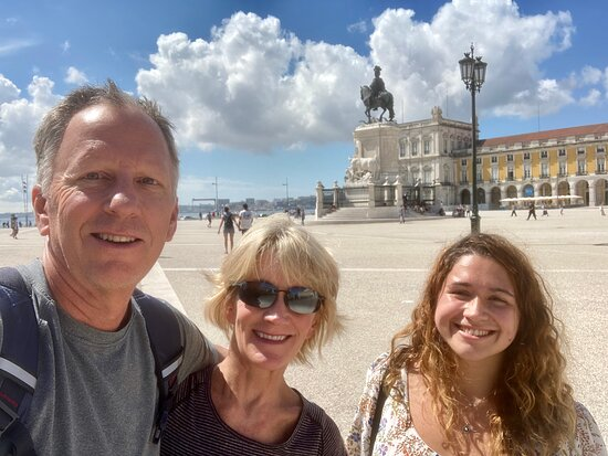 Lisbon Essential Walking Tour: History, Stories and Lifestyle: Beatrice