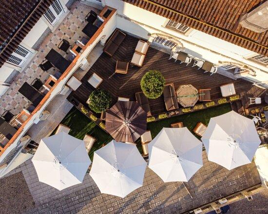 Varanda do restaurante e terraço do bar do PASSAPORTE Coimbra