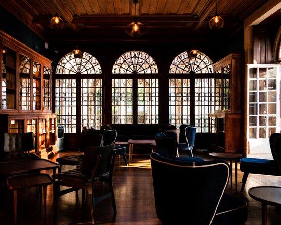 Biblioteca, sala interior do Bar