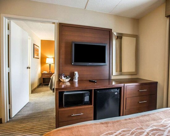 Guest room with flat-screen television
