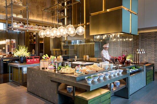 HUALUXE Hotels and Resorts Xi'an Hi-tech Zone, an IHG hotel