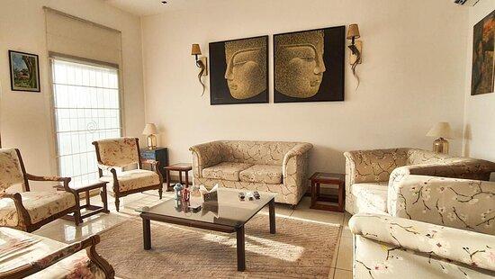 Kasauli, India: Living Rooms