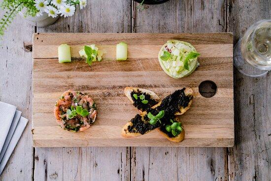 salmon tartare, Pembrokeshire crab, laverbread crostini
