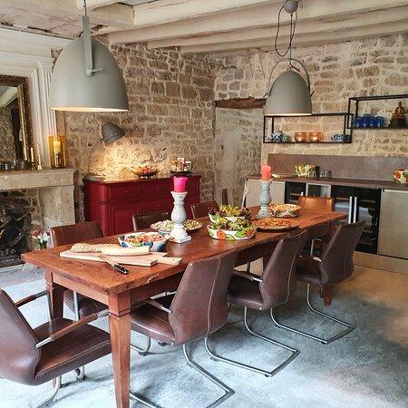 Melle, Prancis: The breakfast room.