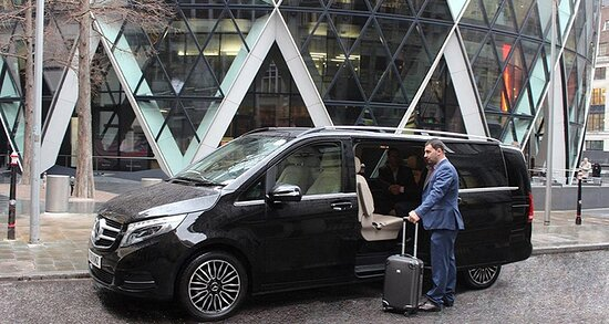Istambul, Turquia: We offer VIP transfer services for daily tours in Istanbul.  We offer airport VIP transfer services to our customers.