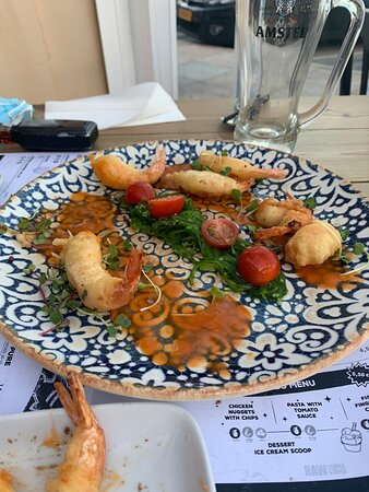 Had a lovely week in Nerja and the raw lounge was the best we ate in.  Amazing food, a different take on tapas and all the dishes we chose were delicious 😋 and I must say lovely staff too.  Would 💯 recommend this restaurant.