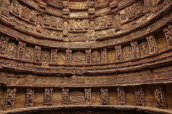 Historical Sights, Regal Cities & Wildlife Sanctuaries of Gujarat