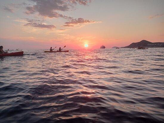 Sunset Sea Kayaking and Wine Tasting Tour Dubrovnik: dubrovnik x-adventure sunset kayaking