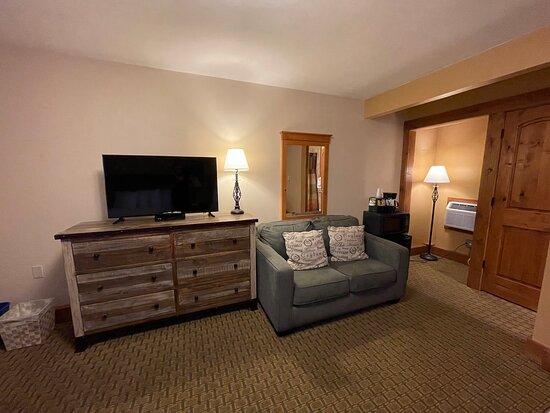 2 Queen Bed not Riverside - Pet Friendly - Amenities