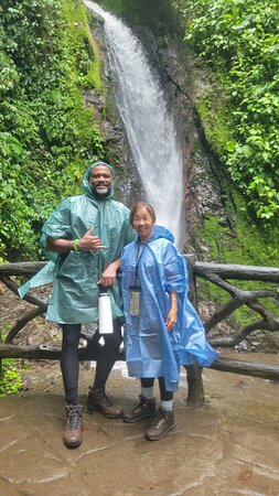 Arenal Volcano Rainforest Walk and Hot Springs: waterfall