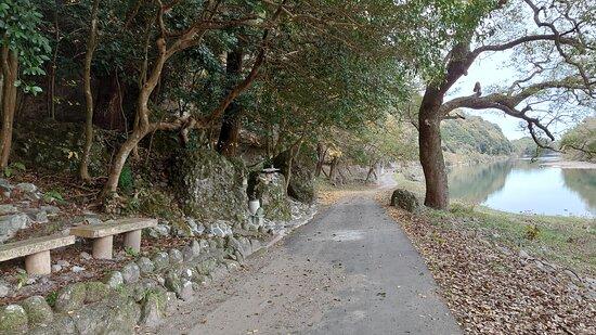 鷹栖観音堂前の旧参道