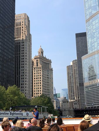 Chicago Architecture River Cruise: Adam was a great tour guide.