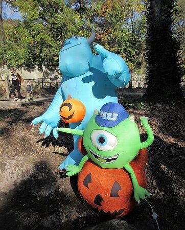 Halloween Decor on Zoo grounds!