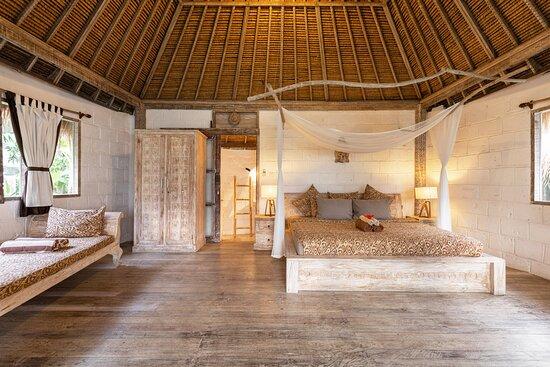 Deluxe Bungalow - Bedroom