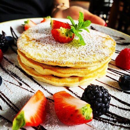 💯NOWOŚĆ💯 #słodkiporanek to jedna z najnowszych naszych propozycji śniadaniowych, a w sumie mamy aż trzy nowe pozycje w #menu #śniadania  Zapraszamy do nas #nowemenu już na stolikach😊 #widzimysiewsrodmiesciu #DeVibez #Restaurant #Cafe #szczecin #WojskaPolskiego50 #serceszczecina #feeldevibez #DV #slodkiporanek #nowość #nowemenu #najlepsze #śniadanie #restauracja #kawiarnia #coffeeshop #pankejki #pancakes #pancake #food #breakfast #alldaybreakfast #foodie #foodporn