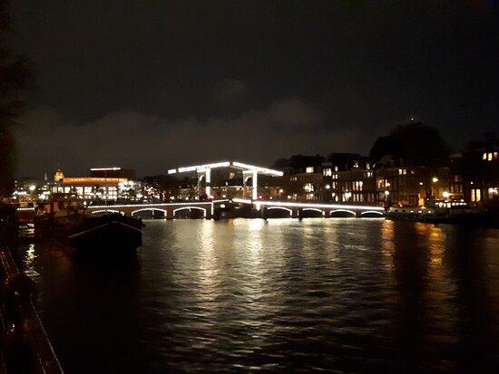 Magnifico Magere Burg su Amstel