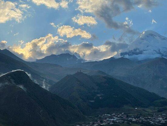 Georgia Tour: História e Trekking: The Caucasus mountains