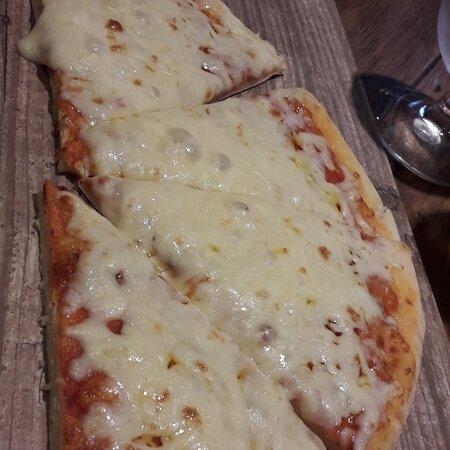 Cheesy Garlic Bread Starter to Share