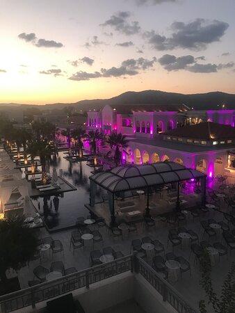 Photos de l'hôtel Anemos Luxury Grand Resort et des plages ( piscines et mer )