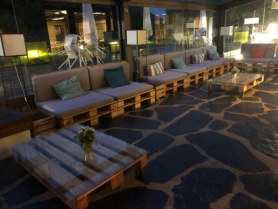 Spa, terraza con vistas, hotel