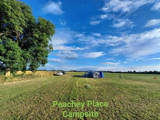 Beautiful countryside campsite for tents, caravans, and motorhomes.