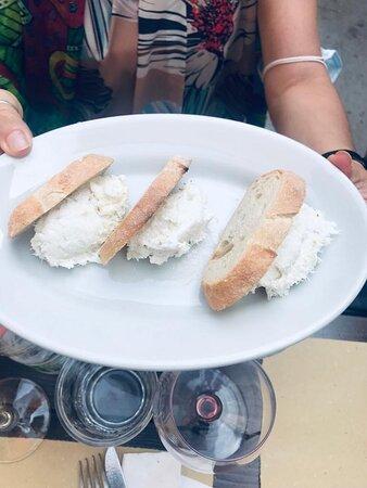 Cicchetti tipici veneziani: Baccalà mantecato Polpette  Sardee in saor  Manzacolle in saor