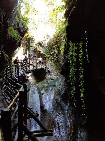 percorso alle grotte