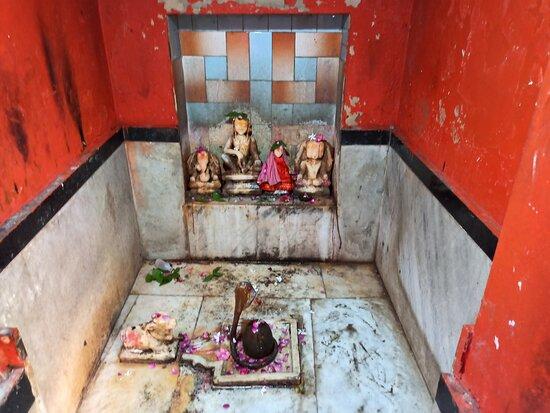 एक अच्छा ,शांत ,खूबसूरत मंदिर