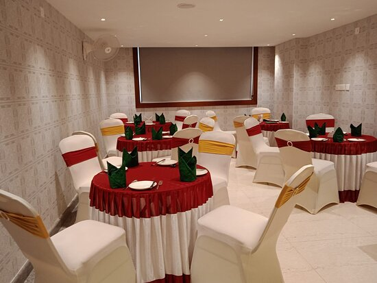 Kannur International Airport: Coffee Shop. Also we have A/C conference halls to accommodate 25to50 Pax suitable Company Conference & Personal gathering. Large Convention Center accommodates 300 to 500 Pax which suitable for Marriage, Large Gathering Functions. We had proud to elaborate that we have a multi-cuisine restaurant with fine dine for 100 pax and having Bakery and confectionary. The appointments in the room match that of any five-star room. Right from the flooring to the modern furniture everything is carefully desi