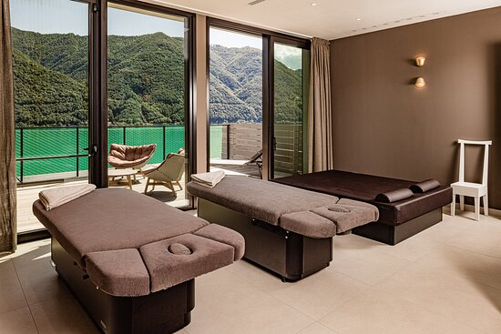 Private Spa with sauna / sanarium and saltwater whirlpool on the private terrace