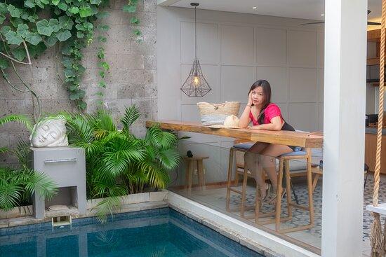 Ayona Villa, dengan tempat yang nyaman serta sangat privasi, bersih dan tentunya prokes ketat.
