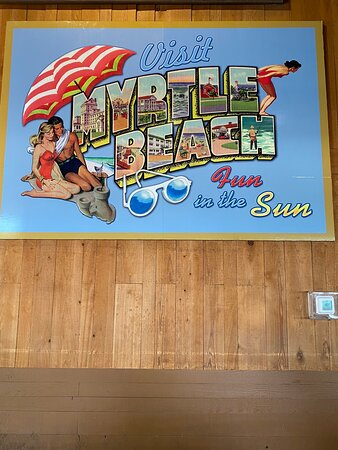 Great Bar on the boardwalk with plenty of options for food and drinks. Inside and outside seating to enjoy the sights.