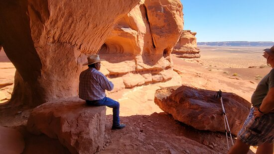 Monument Valley tribal Tours - Teardrop Arch and Anasazi Ruins Tour with Tribal Guide Larry.