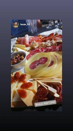 Taglieri - ciabatte farcite alla piastra - vini - prodotti tipici locali. Parco nazionale del Cilento, Vallo di Diano e Alburni Lucania 🐽🤟🍷