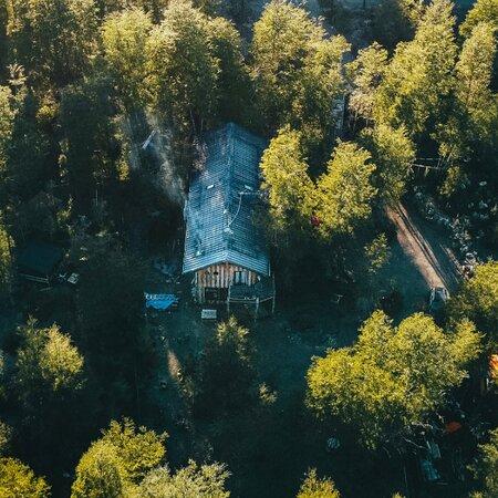 Casa Gioia en el bosque nativo de Ensenada, Puerto Varas, Chile.