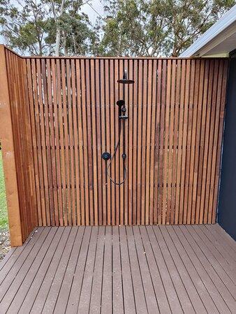 Beachshack - outdoor shower