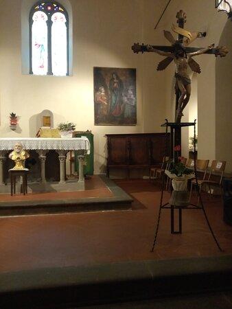 L'Annunciazione di autore ignoto sull'altare della parrocchia di santa Maria Assunta in cielo di Ambra.Notare il committente inginocchiato a destra, splendido il panneggio dal color turchino