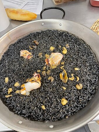 Arroz negro con sepionet