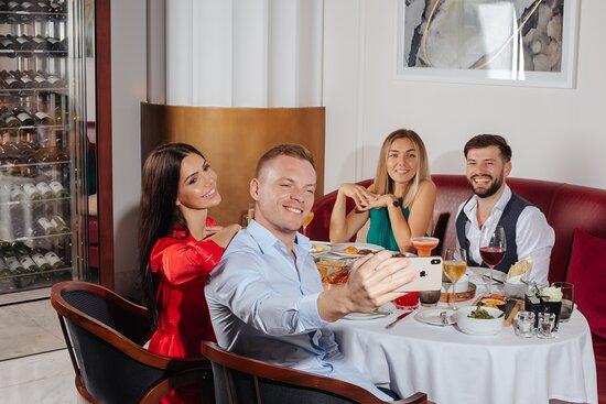 Dining at Brasserie Boulud Dubai, Sofitel Dubai The Obelisk