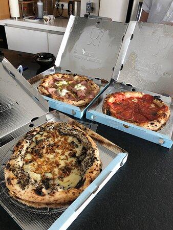 Pizzas très bonnes mais service à revoir