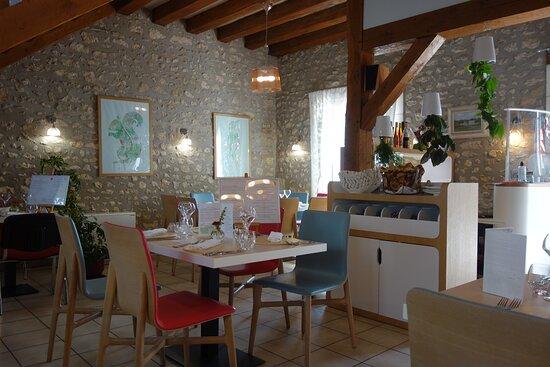 Vallieres-les-Grandes, France: La salle