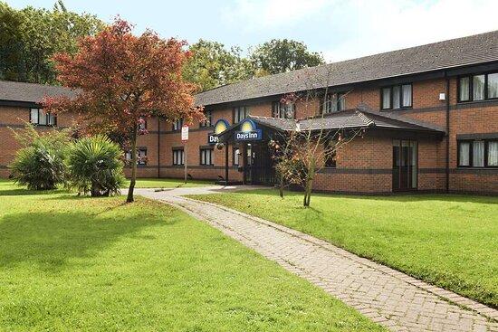 Days Inn by Wyndham Warwick North M40