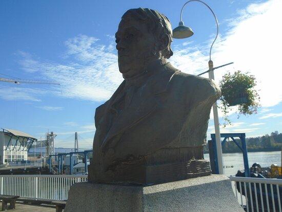 Simon Fraser Statue