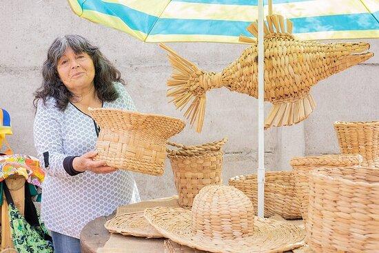 Taller Privado de Artesanía de Totora Guayacán